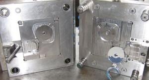 Plastic Injection Mold in NAK80 polishing steel